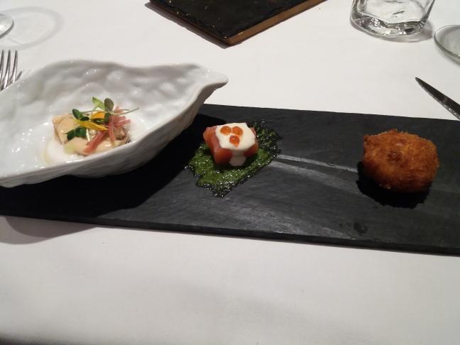 Membibre snack mejillon, croqueta y salmón .jpg